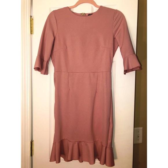 Boohoo Dresses & Skirts - NWT Pink Boohoo Ruffle Hem Dress